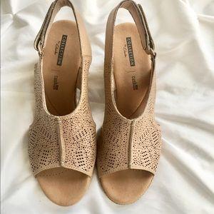 Clarks Shoes - Summery Clark's Lafley Rosen Espadrilles on Sale